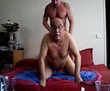 Dois velhos safados fazendo sexo gay