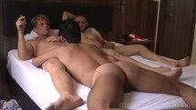 Marcos Goiano fodendo com dois machos bem gostosos