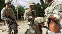 Recruta virando a putinha do batalhão